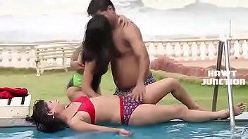 Super Hot Scene Bheega Badan Aur Pyasi Jawani –