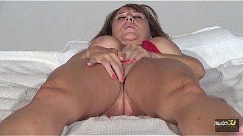 Strapon lesbiana girls orgasm