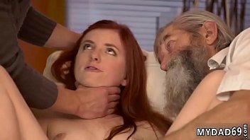 Dude cumming inside a chicks pussy