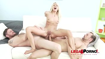 Skinny slut Lola Shine takes Double Anal and meats her Limits!