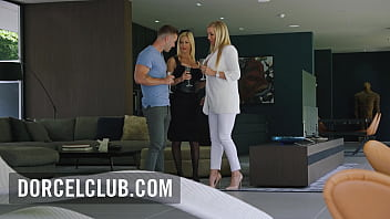Trio super sexy with busty Rebecca More and Alexis Fawx