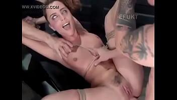 Le Da Un Rico Orgasmo