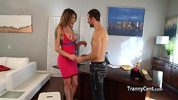 sexoy travesti disfrutar de fundicion...