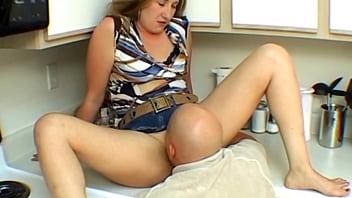 Horny wife pussy licked