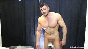 Hunky ripped stud jerking off