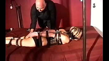 Magnificent beauty is drilling her slit