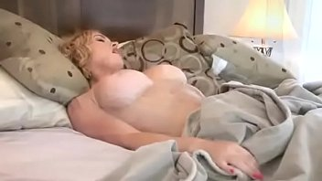 Skinny Canadian MILF Fucks Her Pussy Silly