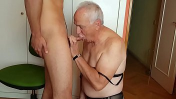 Escort Boy Face Fucked By A Gay Daddy