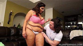 Busty Latina MILF Sofia Rose Fucks Hung Stud