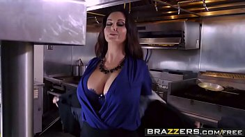 Brazzers - Big Tits at Work (Ava Addams) - The Fucking Food Inspector