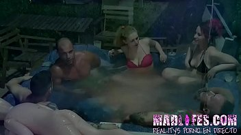It's time for all the contestants to hat a HOT FUCK in the HOT TUB!!!