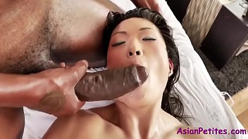 Black Dude Gets Some Asian Pussy
