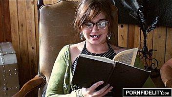 PORNFIDELITY - Nerd Girl Jodi Taylor Loves Anal
