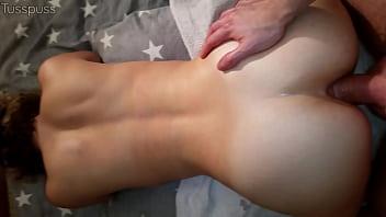 Assfucked girlfriend recives a creampie