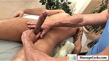 Gay massage for a dude and happy ending