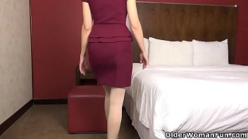 A hotel room always stimulates Jamie's sexual appetite and she wants to share her desire with you. Bonus video: American milf Justine.
