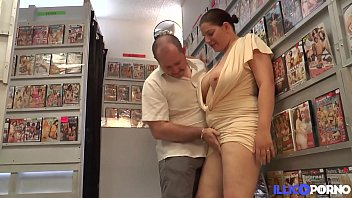 Candaulisme dans un sex-shop