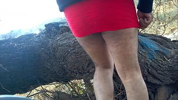 hermosa minifalda roja