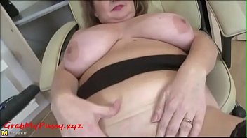 mature mom with big boobs and big ass