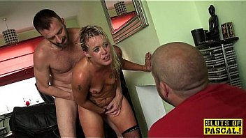 Cuckholding british submissive in chokeplay
