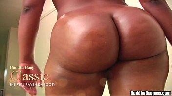 Images - Raven da booty threesome trailer