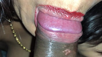 Extraordinary Indian Beaty Sucking Dick