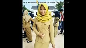 jilbab sma' Search - XNXX.COM