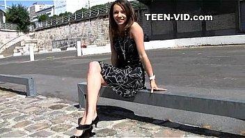 PIC Peeking up scarletts short skirt latina sex tapes