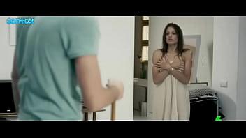 Michelle Jenner  culo en Extraterrestre (2011) JNTX