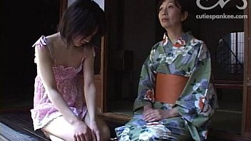 νm;307 Mrs Kanda spanks her daughter for wetting the bed