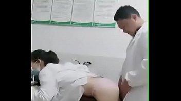 医生在办公室做爱