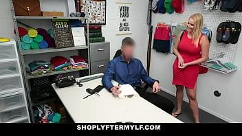 Gros seins blonde gros cul MILF ex employé sexe avec garde après accord est conclu