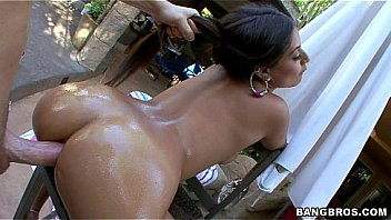 Hot Oiled Up Booty with Jynx Maze
