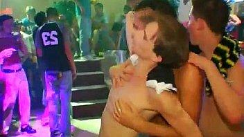 Gay výstrek párty