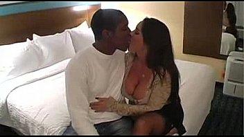 Interracial couple fuck in hotel
