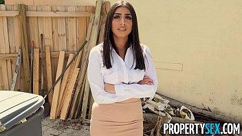 real estate agent big boobs