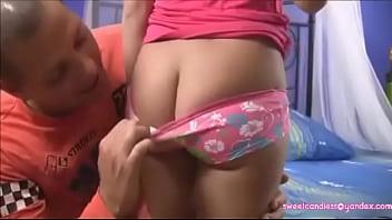 teenie titty gibt papa einen blowjob