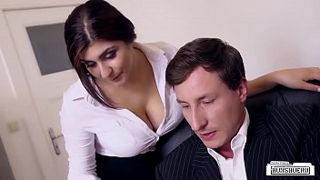 Secretary seduces boss for play
