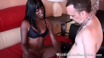 Nasty Black Dominatrice domine mec...