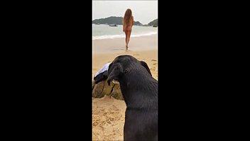 de boa na praia do Brasil - transmitindo direto para nossas redes sociais
