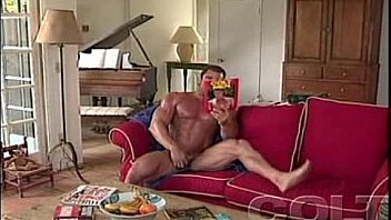 Rod Roddick - the muscle hunk jerking his awesome cock
