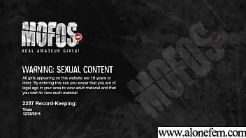 Sex Toys And Dildos Use Teen Girl To Masturbate vid-31