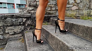 BABE WITH THE PERFECT FEET ON HIGH HEELS