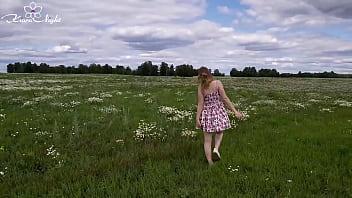 Slutty Girl in Nature Fingering in the Field