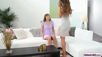 Milf pussy licking and facesitting stepdaughters lesbian gf