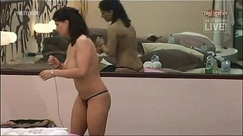 Bettie Ballhaus & Annina Ucatis bedroom sauna