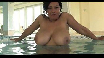 Nude Jacuzzi Masturbation Busty Mature