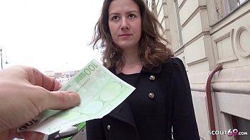 GERMAN SCOUT - Schuelerin Alessandra auf der Strasse angesprochen und ohne Kondom gevoegelt