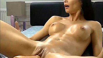 Brunette hottie enjoying her very first time with sex-machine and squirting