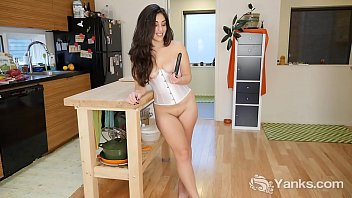 Yanks Babe Catalina Rene Toys Her Twat